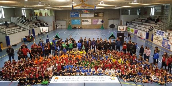 Macrotrobada d'escoles de bàsquet