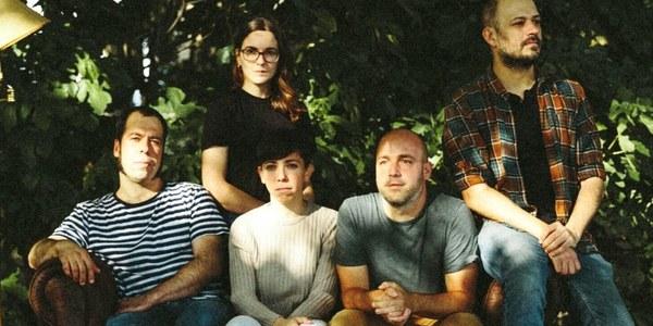 Grup de música Uënsdei