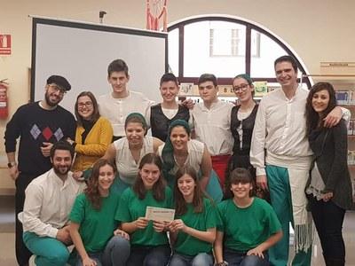 Atrapacontes amb el Grup Sardanista Estol