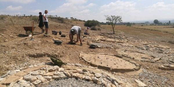 Treballs a la necròpolis durant la cinquena campanya arquelògica