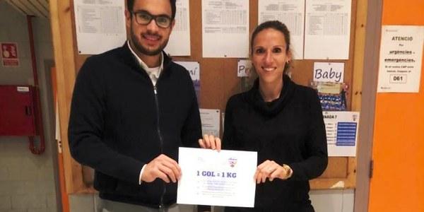 El Club Futbol Sala Agramunt dóna 51kg de productes al Banc d'Aliments