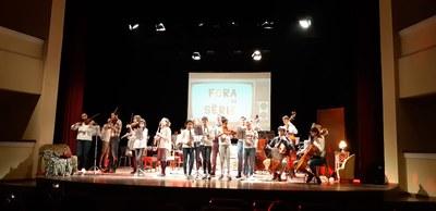 Obra de l'espectacle Fora de Sèrie a Agramunt amb els alumnes de l'EMMA