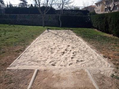 Habilitat un fossat per practicar el salt de llargada