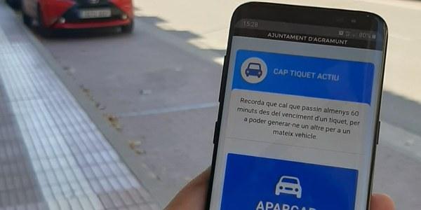 Sistema digital per aparcar a les zones blaves d'aparcament d'estacionament gratuït