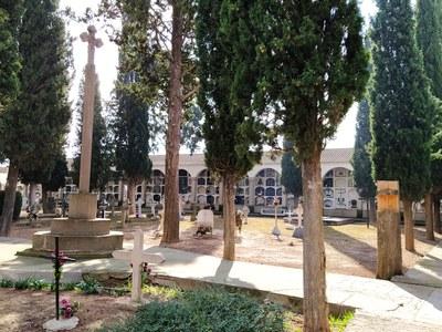 L'Ajuntament habilitarà una porta d'entrada i una de sortida al cementiri per evitar aglomeracions