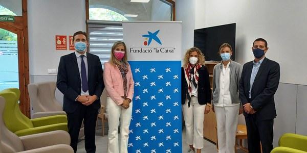 Visita a les instal•lacions del nou centre de dia. D'esquerra a dreta: Miquel Pascual, Mª del Mar Cucurull, Sílvia Fernàndez, Clara Sanz i Victor Martínez.