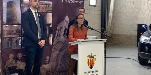 Moment de l'acte d'inauguració de l'Agr'auto a càrrec de la regidora de Fires, Tamara Lobardo.