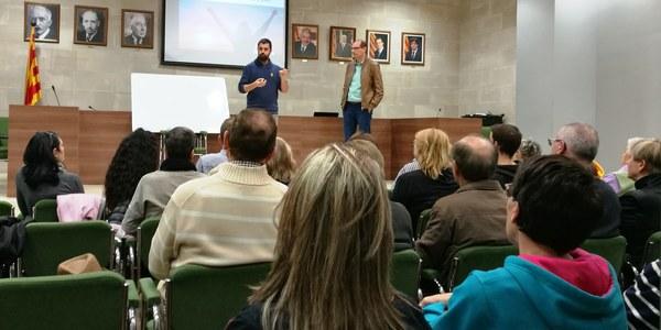 Presentació de la xerrada a càrrec del regidor de joventut Oriol Puebla