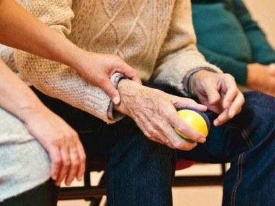L'Ajuntament obre convocatòria per a dos places d'auxiliar de geriatria per la Residència Mas Vell