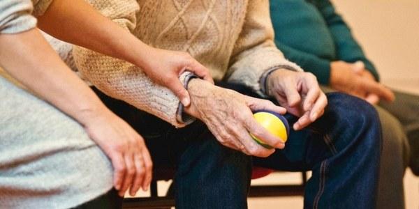 L'Ajuntament obre convocatòria per a tres places d'auxiliar de geriatria per a la Residència Mas Vell