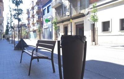 Bancs i paperes Avda.Jaume Mestres