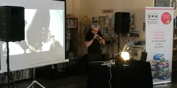 Lluís Fortuny presenta el seu viatge poètico-musical