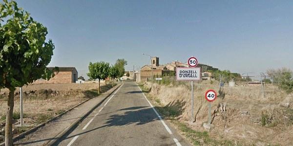 Imatge de l'accés a La Donzell des de la C-14.