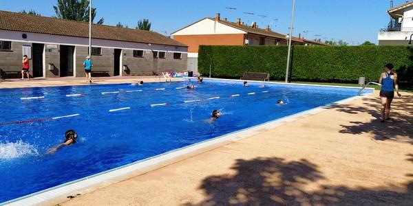 Inici del primer torn dels cursets de natació