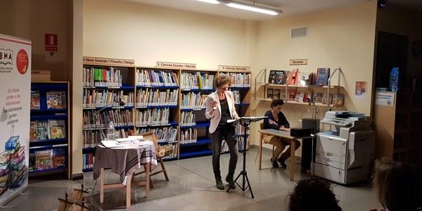 Representació de l'espectacle a la biblioteca municipal Guillem Viladot