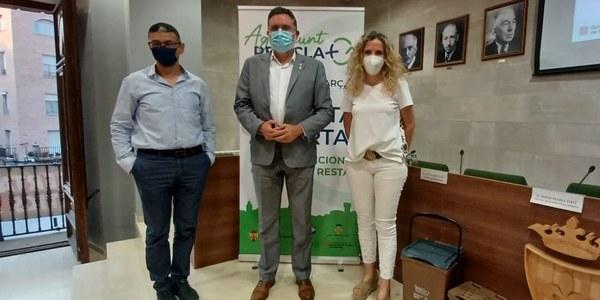 Presentació dels resultats a la sala de plens de l'Ajuntament a càrrec de l'alcaldessa Sílvia Fernàndez, el regidor de l'ajuntament Xavier Secanell i el director de l'Agència de Residus de Catalunya, Josep Maria Tost.
