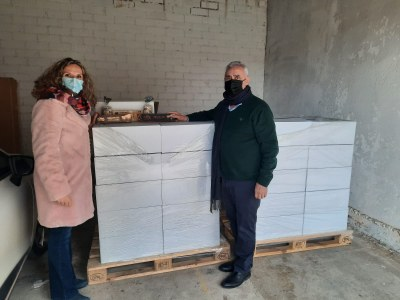 TORRONS VICENS DONA 1.000 KG DE TORRONS AL BANC D'ALIMENTS D'AGRAMUNT